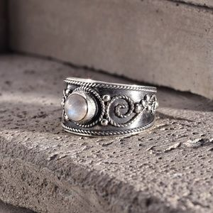 Sterling Silver 925 & Moonstone Ring